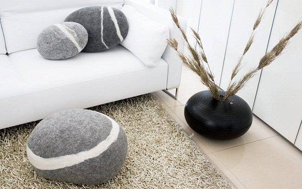 Подушки-камни от Fivetimesone