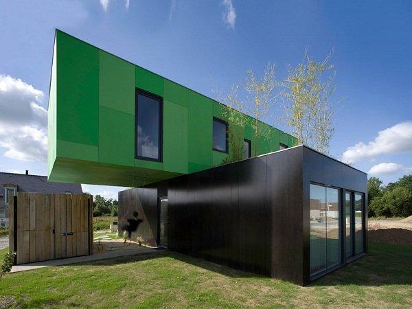 Экологичный дом из контейнеров во Франции