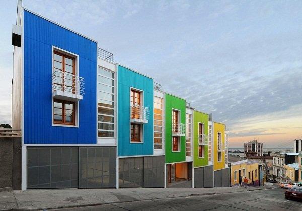 Красочный жилой комплекс в Чили