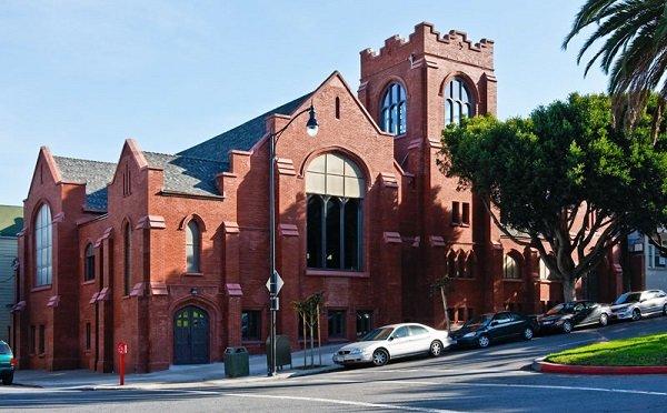 Впечатляющее преобразование церкви в Сан-Франциско